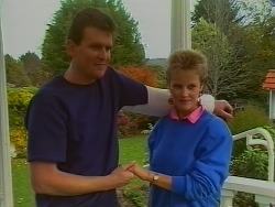 Des Clarke, Daphne Clarke in Neighbours Episode 0294