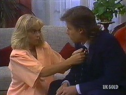 Jane Harris, Mike Young in Neighbours Episode 0441