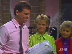 Des Clarke, Daphne Clarke, Helen Daniels in Neighbours Episode 0443