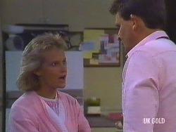 Daphne Clarke, Des Clarke in Neighbours Episode 0444