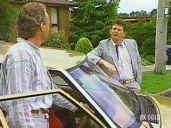 Jim Robinson, Des Clarke in Neighbours Episode 0444