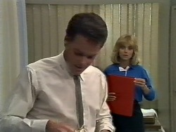 Paul Robinson, Jane Harris in Neighbours Episode 0447