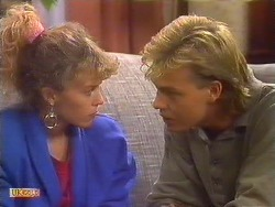 Charlene Mitchell, Scott Robinson  in Neighbours Episode 0502