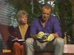 Helen Daniels, Jim Robinson  in Neighbours Episode 0502
