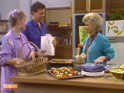 Daphne Clarke, Des Clarke, Helen Daniels  in Neighbours Episode 0502