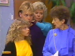 Charlene Mitchell, Scott Robinson, Helen Daniels, Nell Mangel  in Neighbours Episode 0502