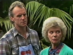 Jim Robinson, Helen Daniels  in Neighbours Episode 0502