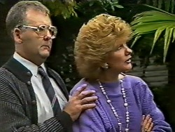 Harold Bishop, Madge Mitchell  in Neighbours Episode 0502