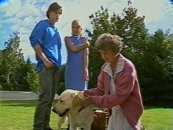 Mike Young, Jane Harris, Nell Mangel in Neighbours Episode 0738
