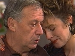 Rob Lewis, Gail Robinson in Neighbours Episode 0742