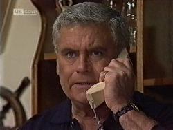 Lou Carpenter in Neighbours Episode 1941