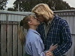 Lauren Carpenter, Brad Willis in Neighbours Episode 1943