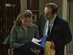 Julie Robinson, Philip Martin in Neighbours Episode 1944