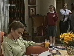 Julie Robinson, Debbie Martin, Philip Martin in Neighbours Episode 1945