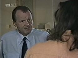 Sergeant Bowen, Wayne Duncan in Neighbours Episode 1945