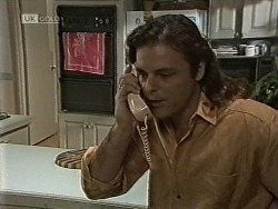 Wayne Duncan in Neighbours Episode 1945