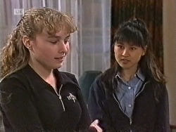 Debbie Martin, Sarah Lim in Neighbours Episode 1947