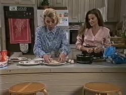 Helen Daniels, Julie Martin in Neighbours Episode 1948