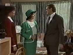 Gaby Willis, Pam Willis, Doug Willis, Brad Willis in Neighbours Episode 1948