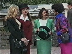 Annalise Hartman, Gaby Willis, Pam Willis, Jenny Lim in Neighbours Episode 1948