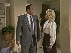 Philip Martin, Helen Daniels in Neighbours Episode 1948