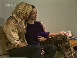 Brad Willis, Phoebe Bright in Neighbours Episode 1950
