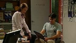 Charlotte Stone, Frazer Yeats in Neighbours Episode 5202