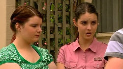 Bree Timmins, Louise Carpenter (Lolly), Ringo Brown in Neighbours Episode 5204