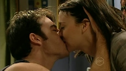 Frazer Yeats, Rosie Cammeniti in Neighbours Episode 5209