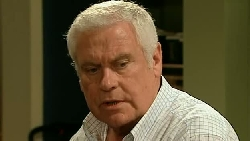 Lou Carpenter in Neighbours Episode 5210