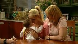 Kerry Mangel (baby), Sky Mangel, Janelle Timmins in Neighbours Episode 5211