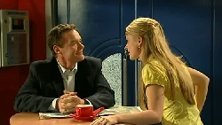 Paul Robinson, Elle Robinson in Neighbours Episode 5211