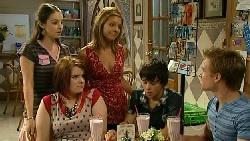 Louise Carpenter (Lolly), Bree Timmins, Rachel Kinski, Zeke Kinski, Ringo Brown in Neighbours Episode 5217