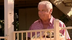 Lou Carpenter in Neighbours Episode 5217