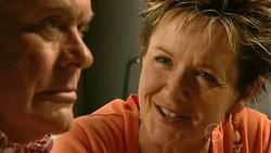 Lou Carpenter, Susan Kennedy in Neighbours Episode 5218
