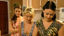 Carmella Cammeniti, Pepper Steiger, Rosie Cammeniti in Neighbours Episode 5219