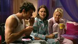 Frazer Yeats, Rosie Cammeniti, Pepper Steiger in Neighbours Episode 5220