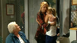 Mary Casey, Janelle Timmins, Sky Mangel in Neighbours Episode 5223