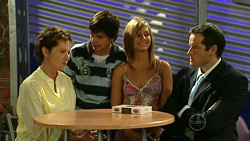 Susan Kennedy, Zeke Kinski, Rachel Kinski, David Mather in Neighbours Episode 5230