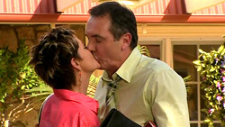 Susan Kennedy, Karl Kennedy in Neighbours Episode 5230