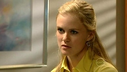 Elle Robinson in Neighbours Episode 5233
