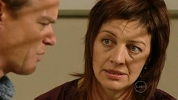Paul Robinson, Gail Robinson in Neighbours Episode 5240