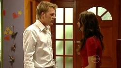 Oliver Barnes, Carmella Cammeniti in Neighbours Episode 5240