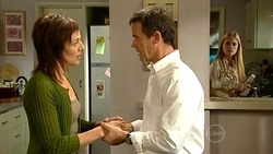 Gail Robinson, Paul Robinson, Elle Robinson in Neighbours Episode 5240