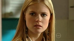 Elle Robinson in Neighbours Episode 5240