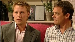 Oliver Barnes, Paul Robinson in Neighbours Episode 5255