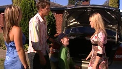Steph Scully, Ned Parker, Mickey Gannon, Janae Timmins in Neighbours Episode 5256