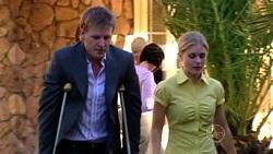 Oliver Barnes, Elle Robinson in Neighbours Episode 5256