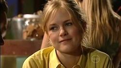 Elle Robinson in Neighbours Episode 5256