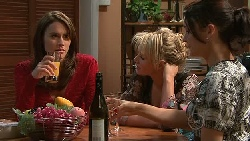 Carmella Cammeniti, Pepper Steiger, Rosie Cammeniti in Neighbours Episode 5284